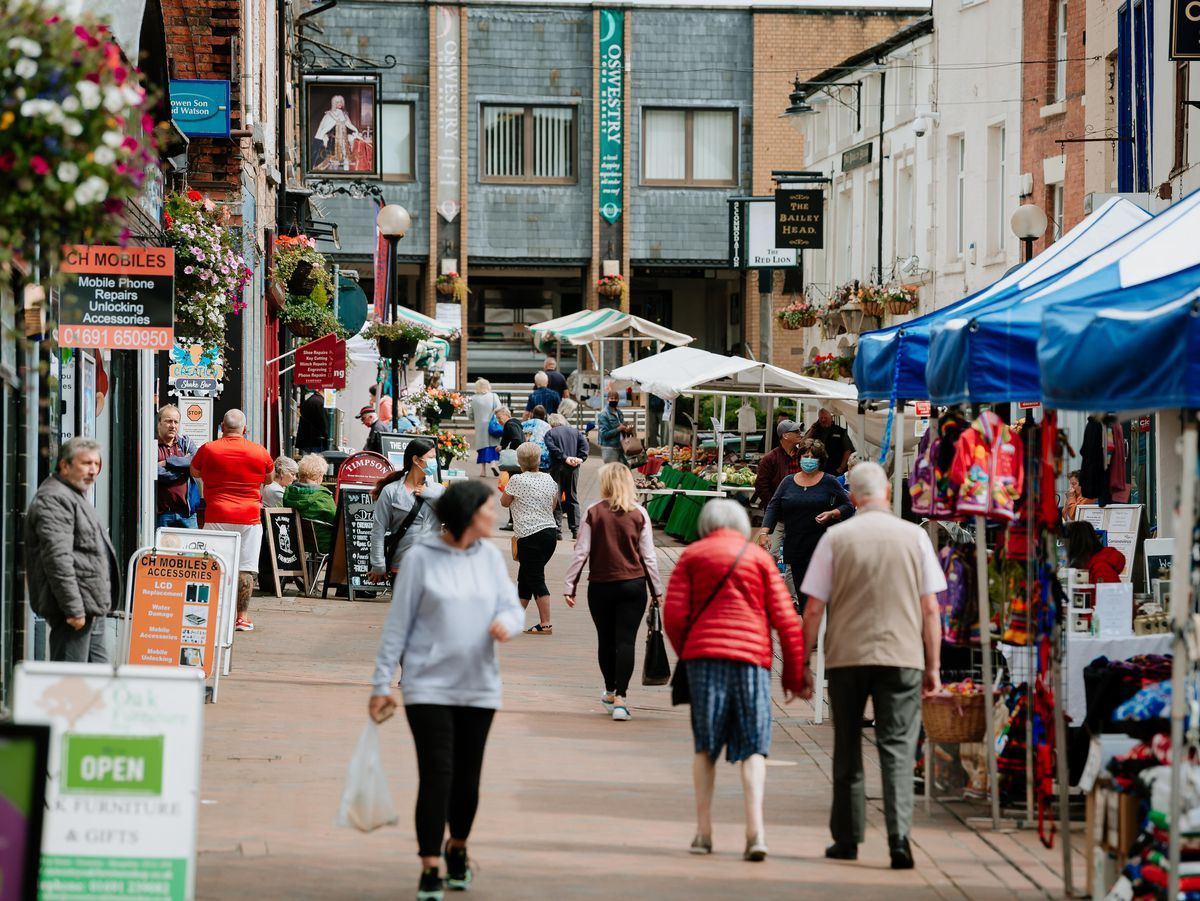 BORDER COPYRIGHT SHROPSHIRE STAR JAMIE RICKETTS 22/07/2020 - Oswestry BID have recently created a new video to promote their town and it has been widely successful. Feature on independent shops in the area. In Picture: Bailey Street.