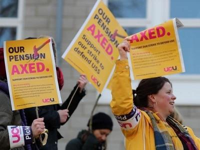 Jeremy Corbyn thanks university workers as pension row strikes begin
