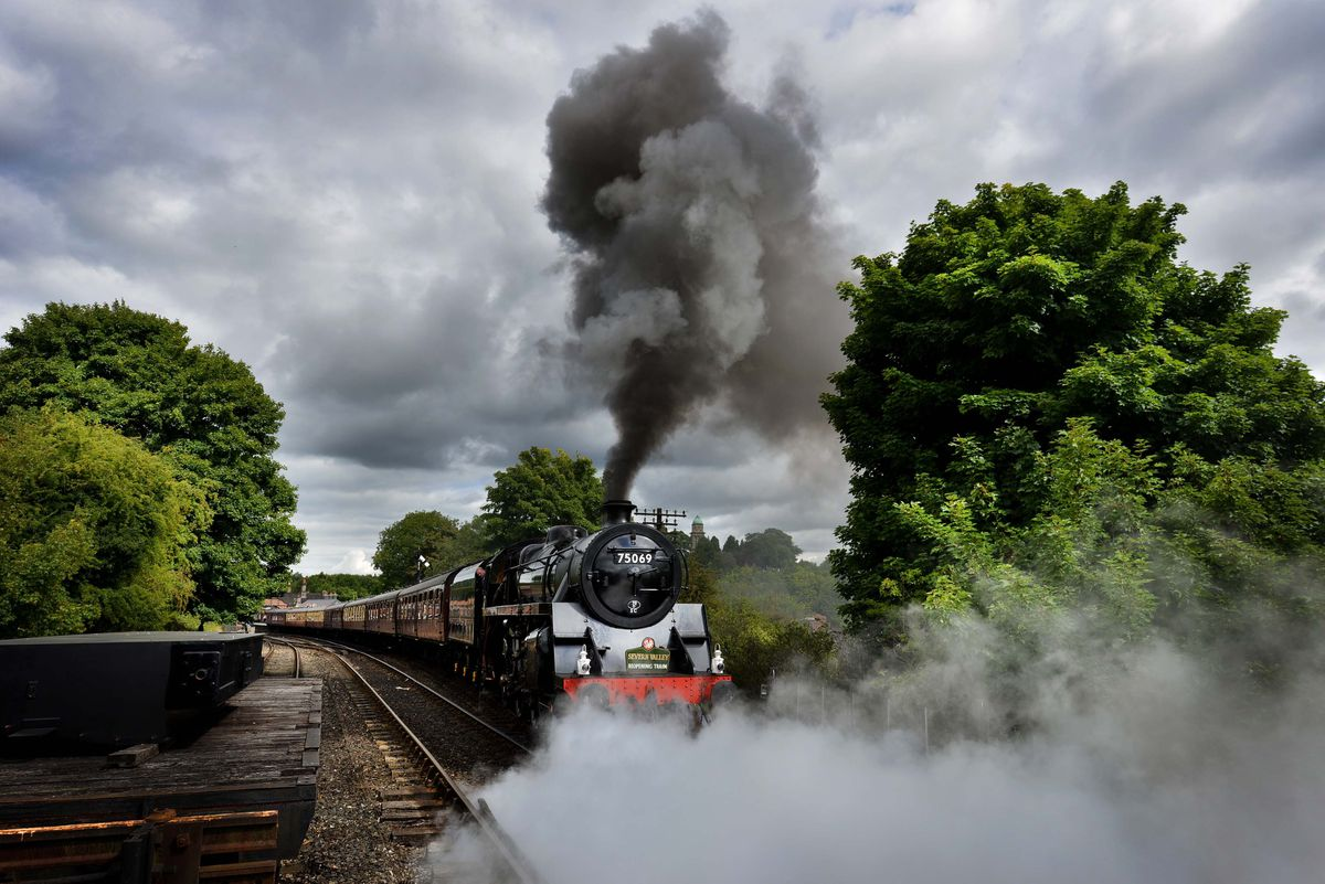 A train on the Severn Valley Railway
