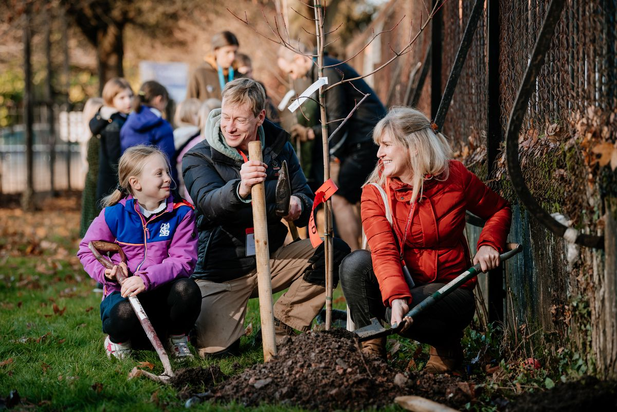 Erin Turner 10, Dad Brendan Turner (who donated the trees) and Councillor Kate Halliday (Belle Vue Councillor)..