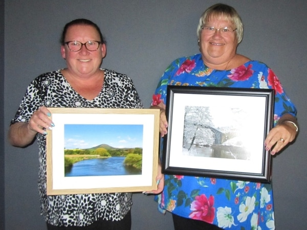 Sisters step into the spotlight at awards