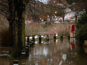 LAST COPYRIGHT SHROPSHIRE STAR JAMIE RICKETTS 22/12/2020 - Flooding in Low Town, Bridgnorth, Shropshire..
