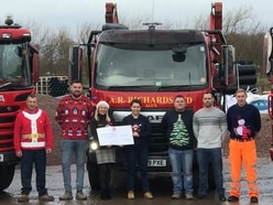 £2,000 donated to Midlands Air Ambulance