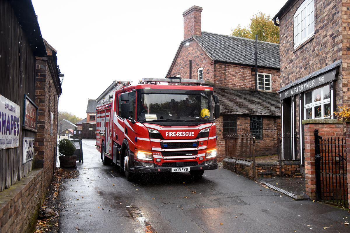 The fire engine arriving at Blists Hill.