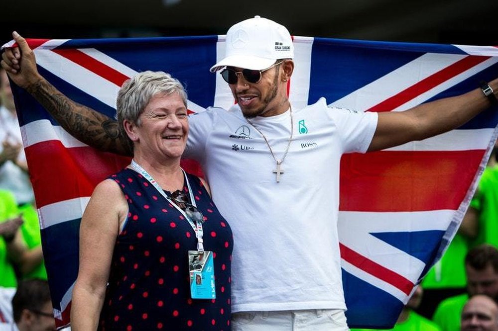 F1: Hamilton: Knighthood would be 'the greatest honour'