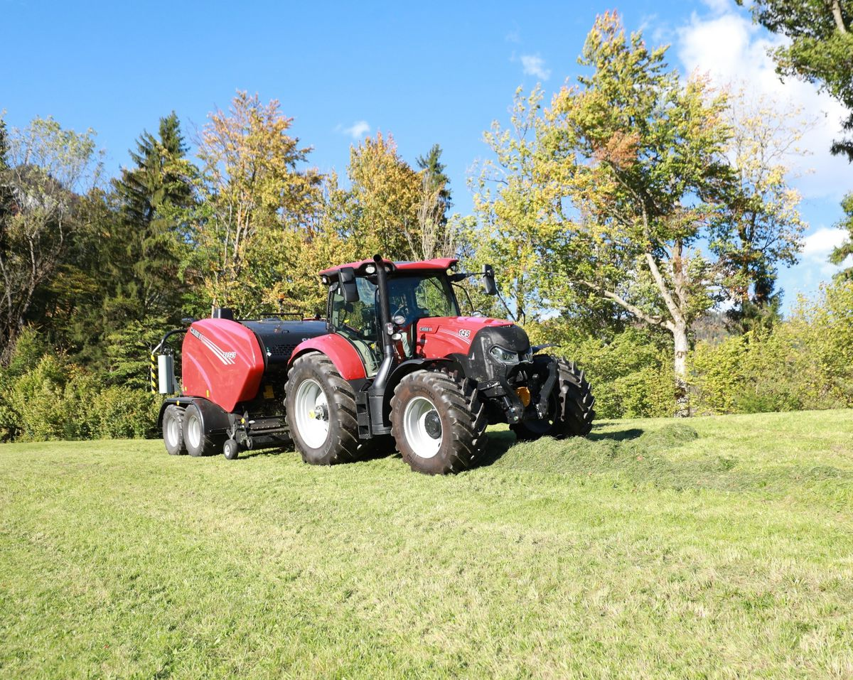 Maxxum Multicontroller models feature ActiveDrive 8, a new semi-powershift transmission offering eight powershift steps