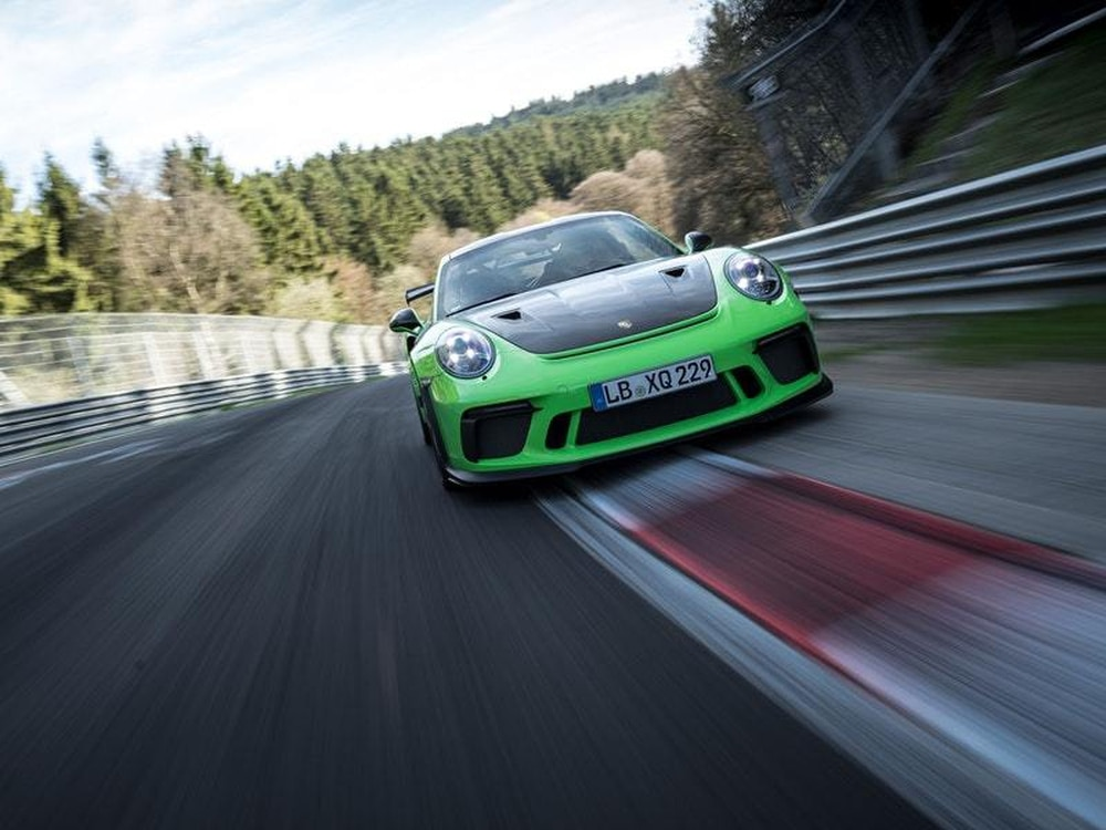 Porsche 911 GT3 RS laps the Nürburgring in 6:56.4 minutes