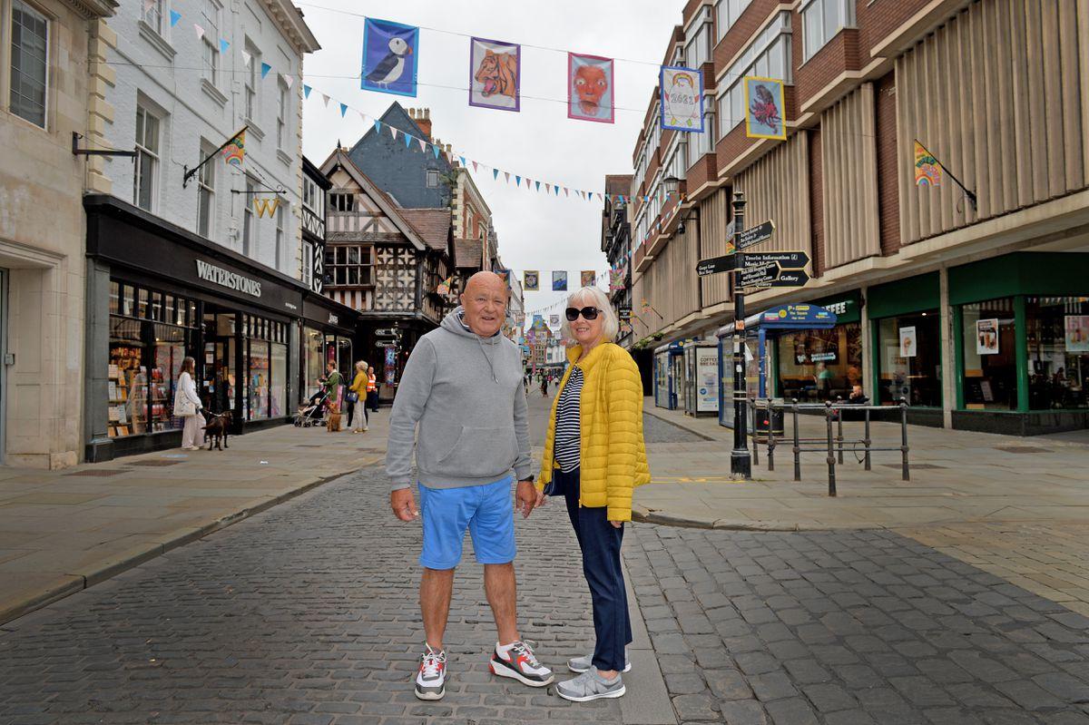 Glyn and Bez Evans in Shrewsbury High Street