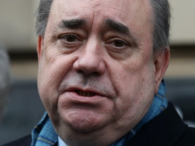 Salmond inquiry should see unredacted documents, MSPs say