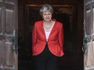 Theresa May faces Brexiteer pressure to change Chequers plan