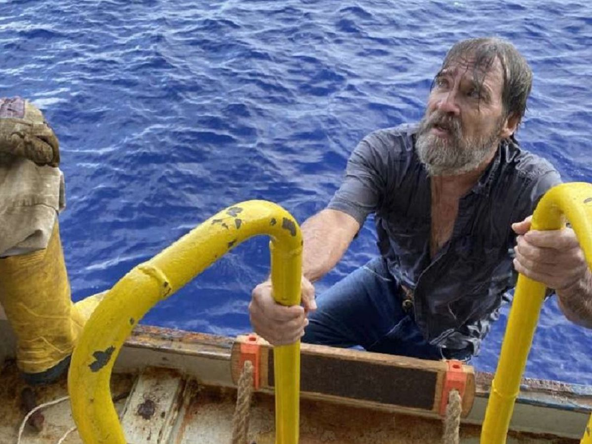 The sailor is rescued