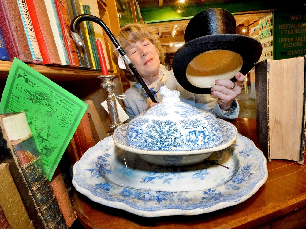 Theatre group benefits from antiques – as centre prepares for late opening