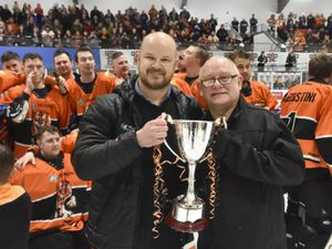 Telford Tigers v Peterborough Phantoms11/3/20 by Steve BrodieTigers GM and coach Tom Watkins and Tigers chairman Mike Washburn
