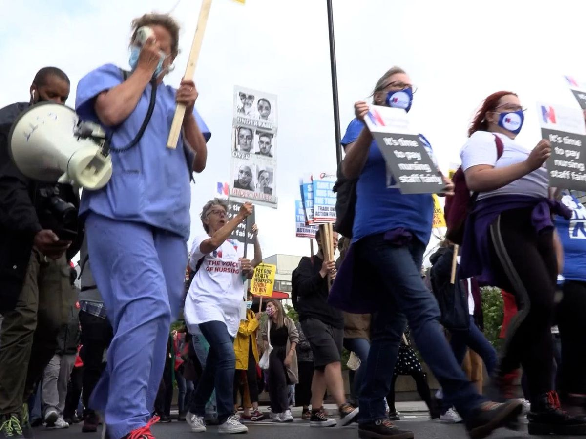 Health workers march to Downing Street