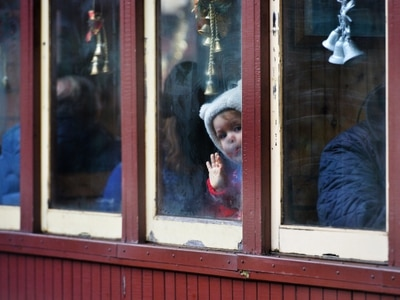 A final wave as the mince pie express pulls out from station - with pictures