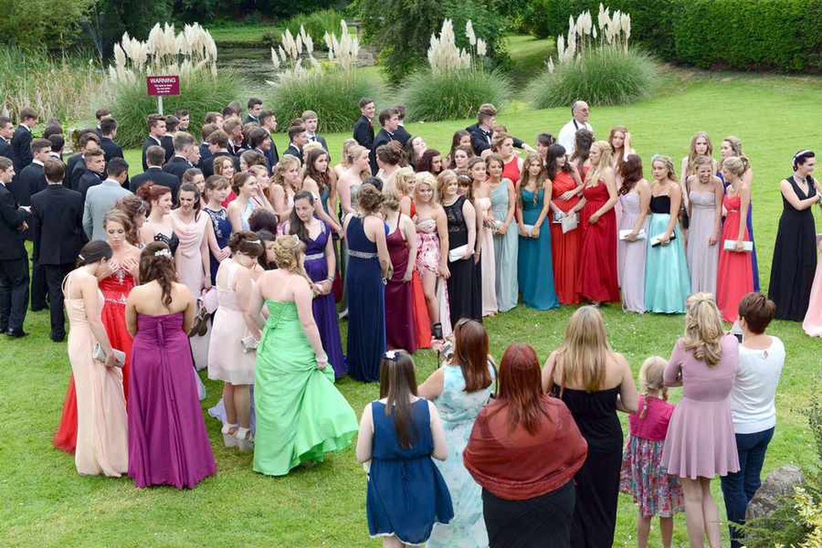 Pupils turn on the style at Corbet School prom