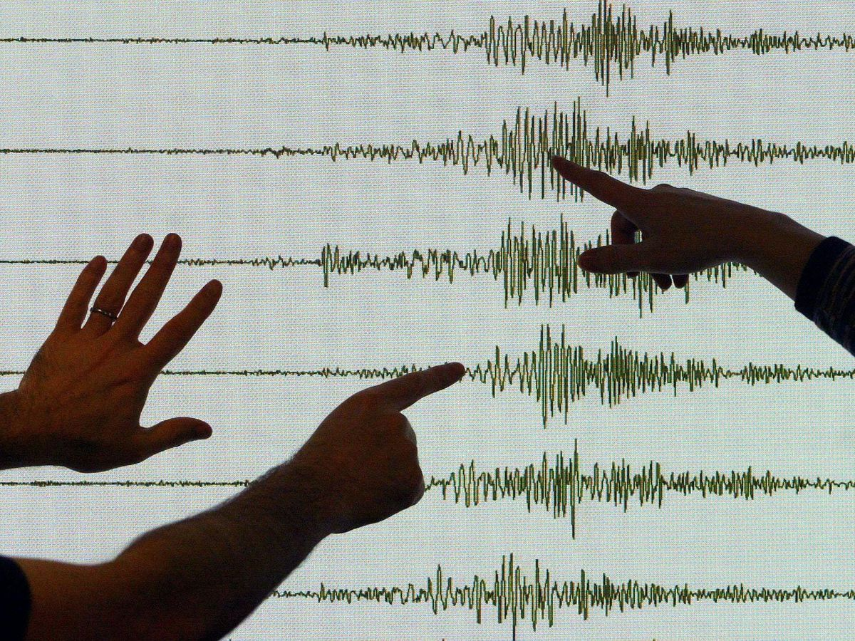 Seismologists at the British Geological Servey centre in Edinburgh