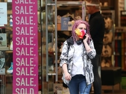 Behavioural expert calls for 'clear, coherent' face covering messages