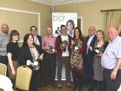 Brainboxes raise £1,000 for hospice at Shrewsbury quiz