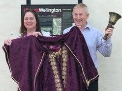 Oyez, oyez, oyez: New town crier wanted for Wellington