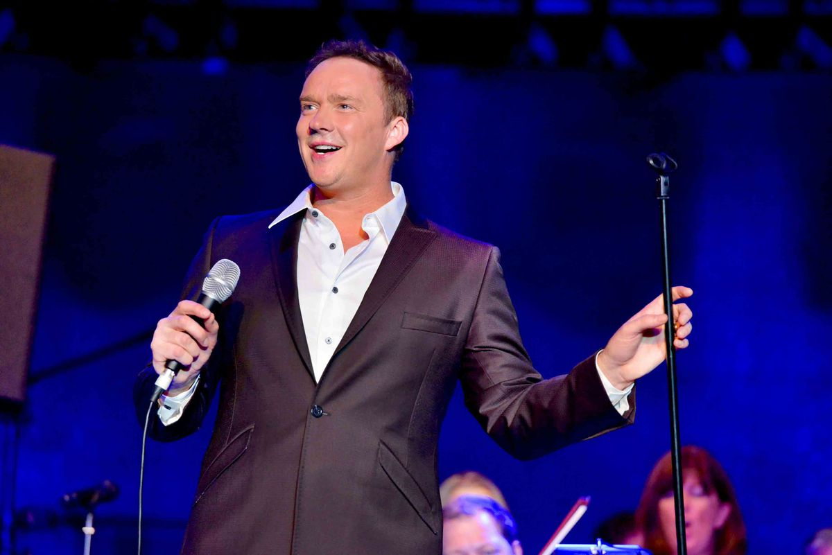 Russell Watson on stage