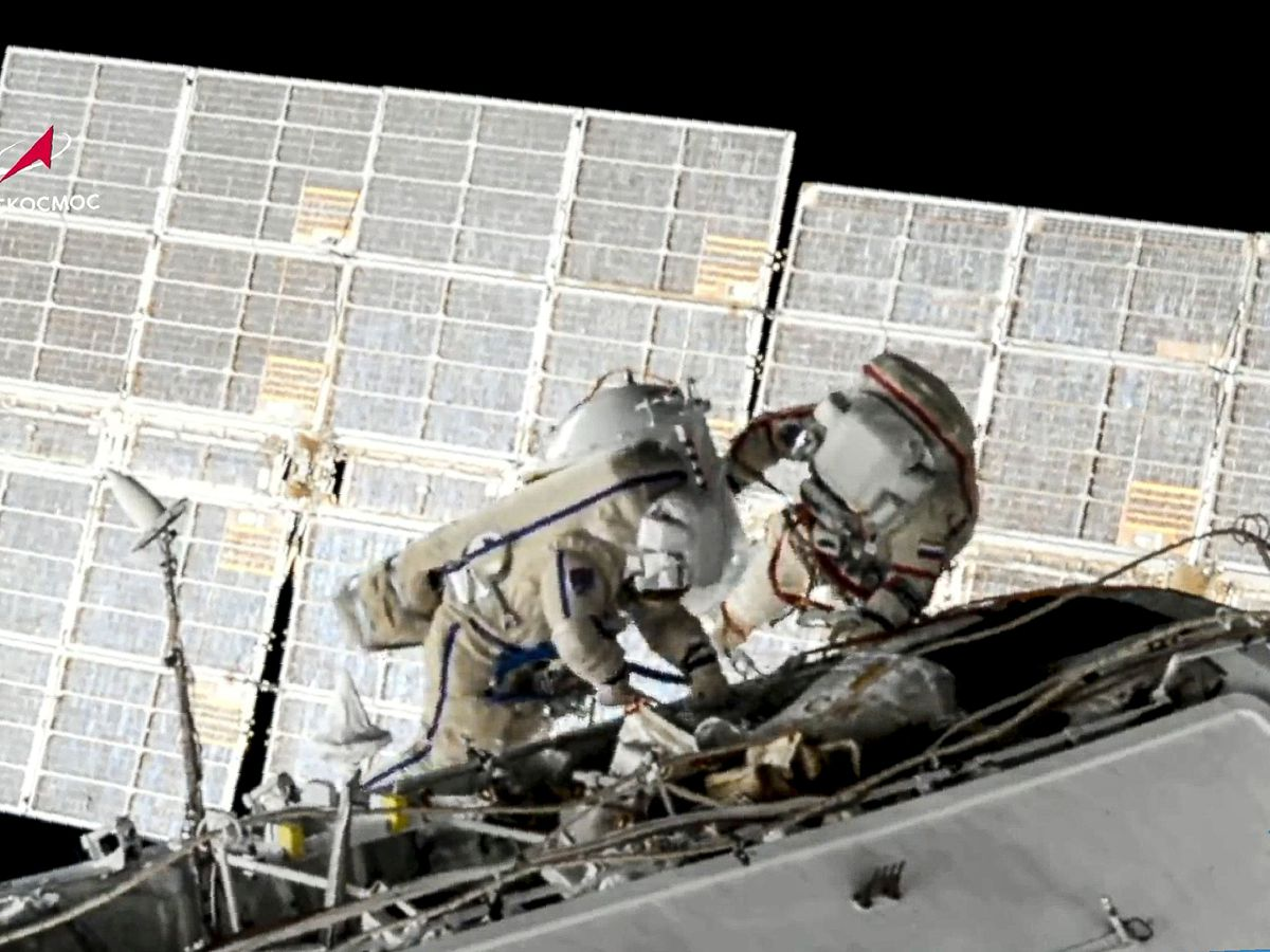 Russian cosmonauts Oleg Novitsky, right, and Pyotr Dubrov  - W5KECF435BGD7LUAVJ5ELMORUY - Russians end seven-hour spacewalk at International Space Station