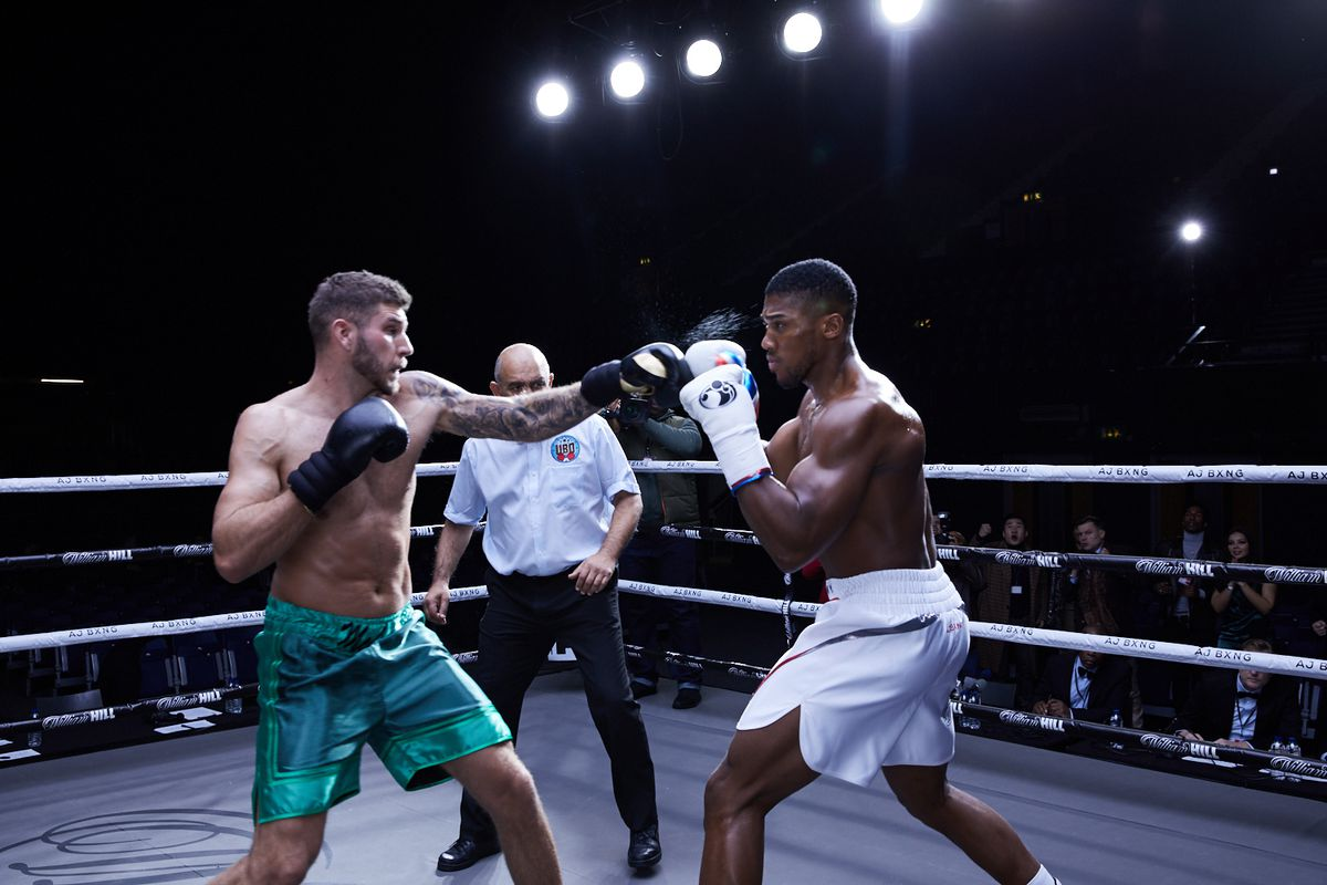 Joe Lockley takes on Anthony Joshua in the ring