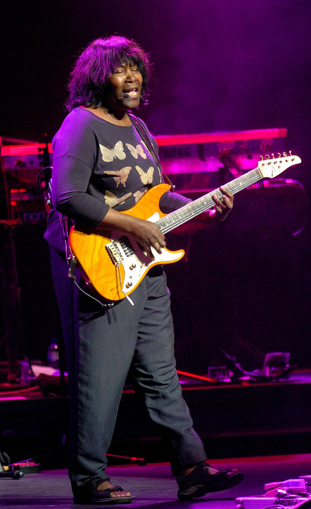 Joan Armatrading performing at Theatre Severn in Shrewsbury. WITH WORDS.. PIC BY SIMON WILLIAMS
