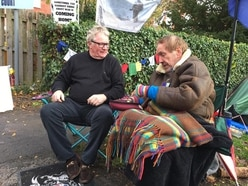 Comic Jim urges Gus to end his Newport protest on veterans' issues