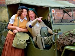 Rain fails to dampen fun at 1940s weekend in Welshpool - PICTURES and VIDEO