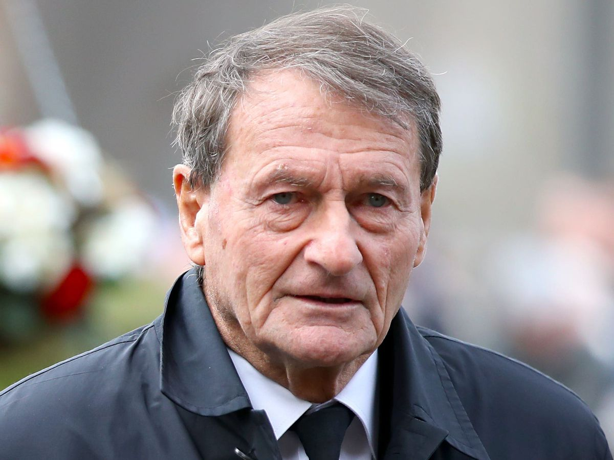Roger Hunt has died at the age of 83