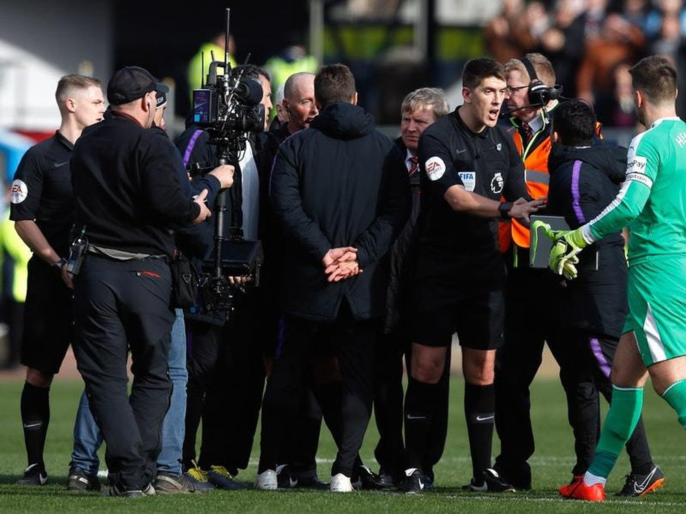 Pochettino apologises to Mike Dean as he accepts FA charge
