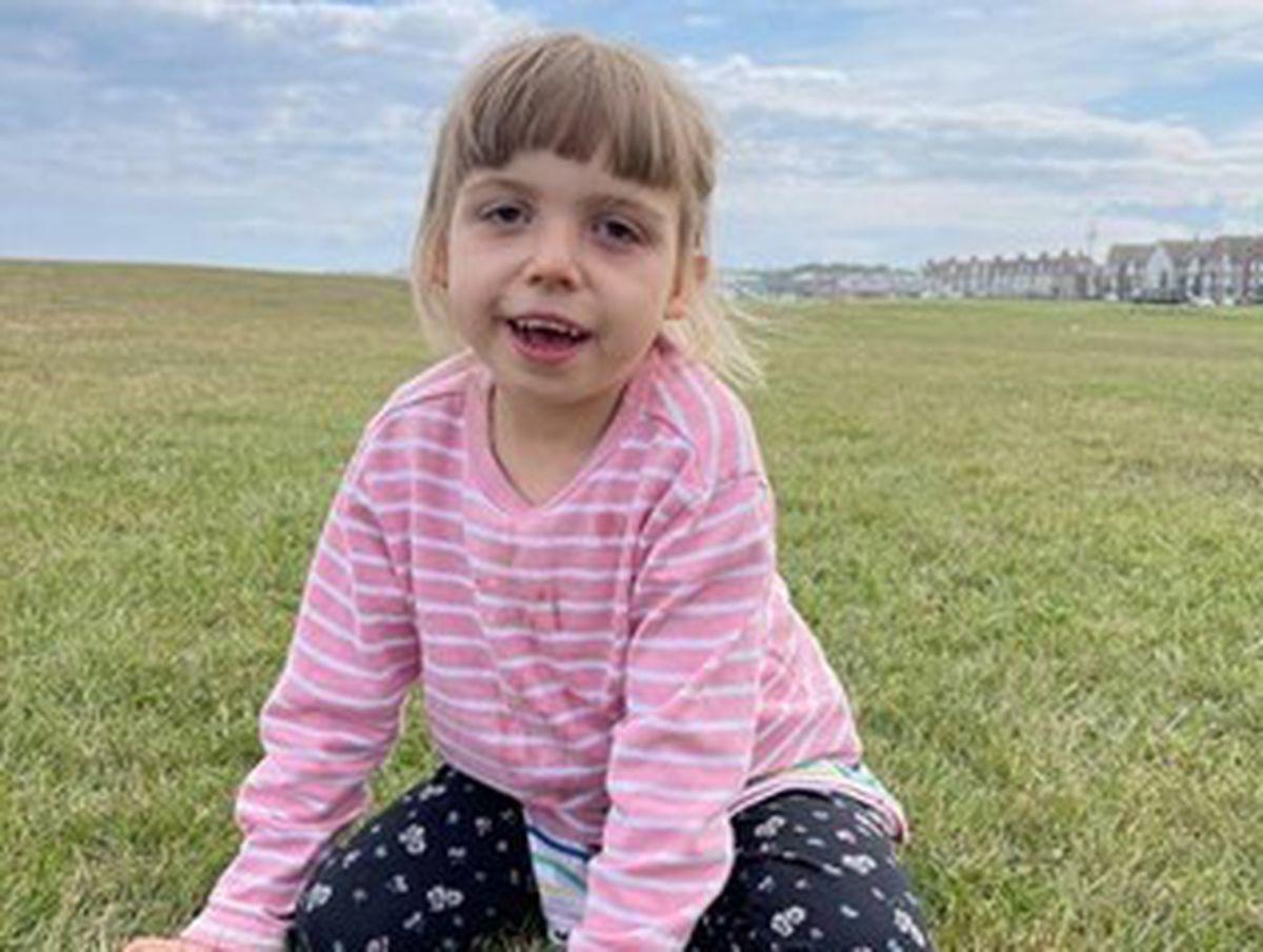 Amélie Holden, aged six