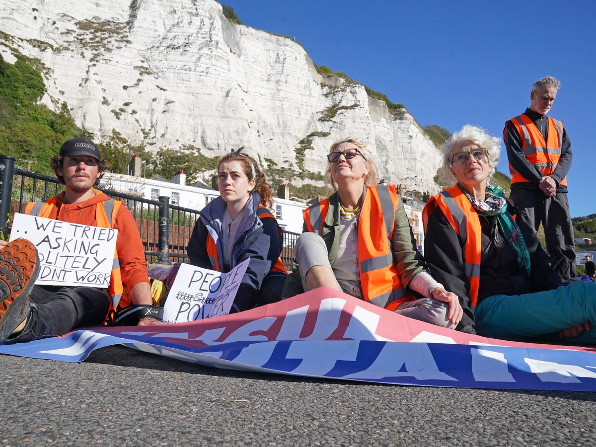 Protesters from Insulate Britain block the A20 in Kent