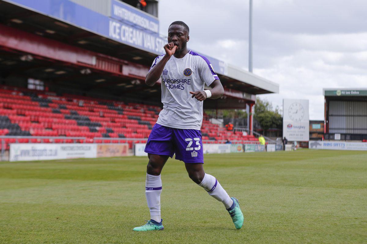 Dan Udoh of Shrewsbury Town celebrates after scoring a goal to make it 2-2 (AMA)