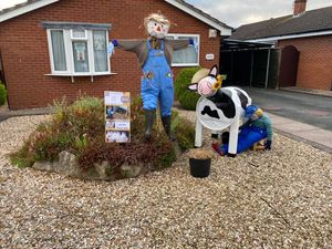 7 Trentham road (scarecrow and scarecow)