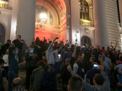 Protesters vent fury as Serbia's president reimposes lockdown