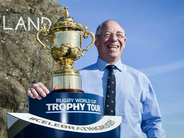 Former Scotland and British & Irish Lions scrum-half Roy Laidlaw is suffering from Alzheimer's disease