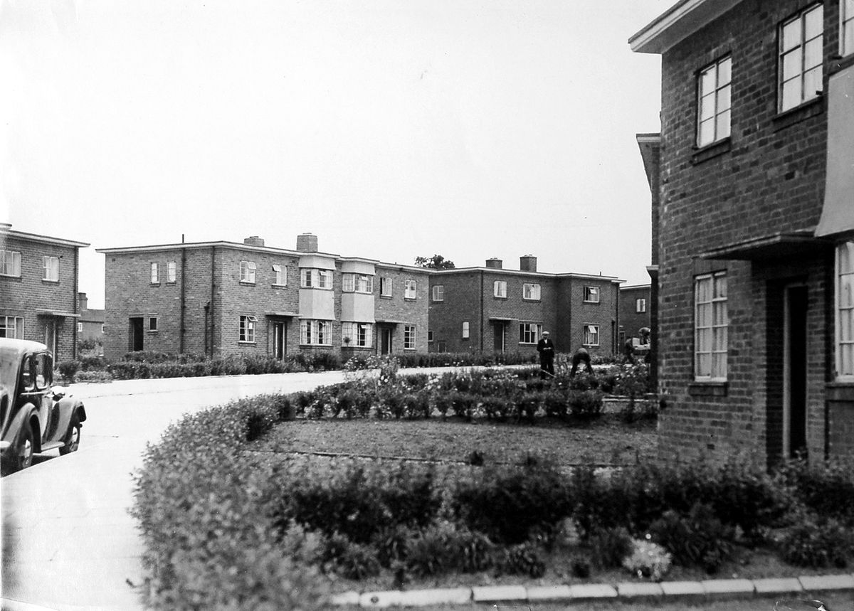 New housing in Donnington in 1943 – with timber shortages meaning concrete flat roofs replaced the pitched roofs which had been intended.