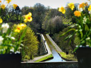 BORDER PIC / DAVID HAMILTON PIC / SHROPSHIRE STAR PIC 22/4/21 PIC ONLY Chirk Aqueduct in the sunshine, at Chirck, Wrexham..