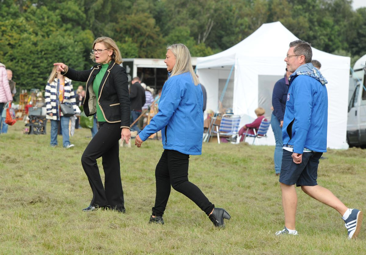 Bargain Hunt being filmed at Oswestry Showground: The blue team with expert Kate Bliss