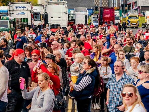 Let's back Zac: Hundreds turn out to see big lorry convoy - with pictures