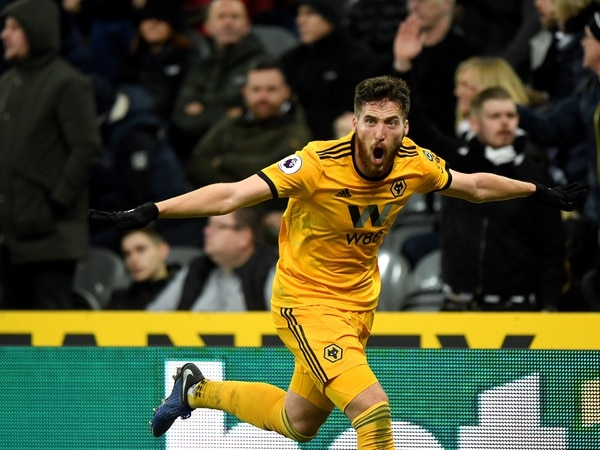 Newcastle 1 Wolves 2 – Report and pictures
