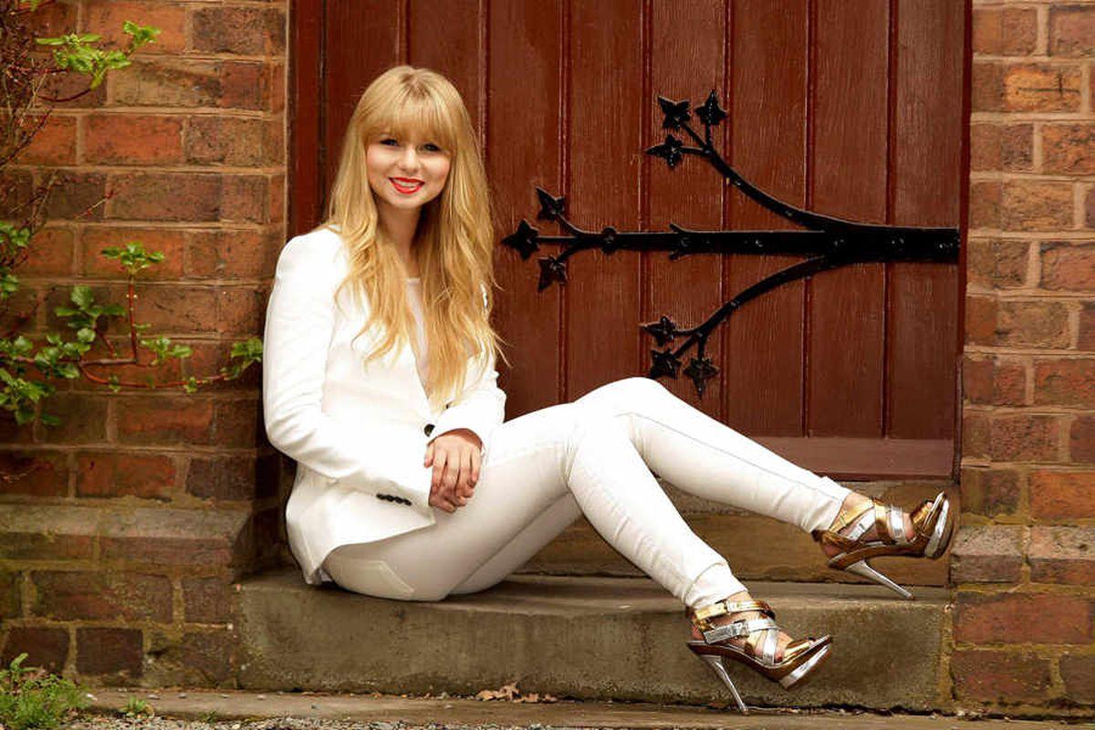 Double-take – Taylor Swift lookalike Xenna Kristian, from Telford