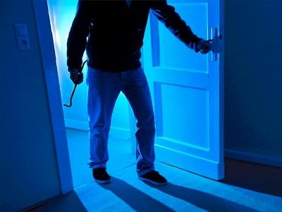 Burglars in hoodies raid house near Shrewsbury