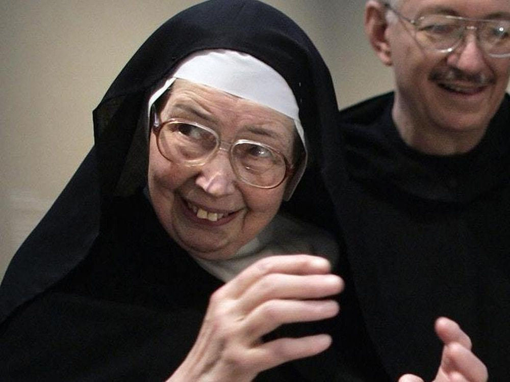Nun who became an unlikely television star dies at 88