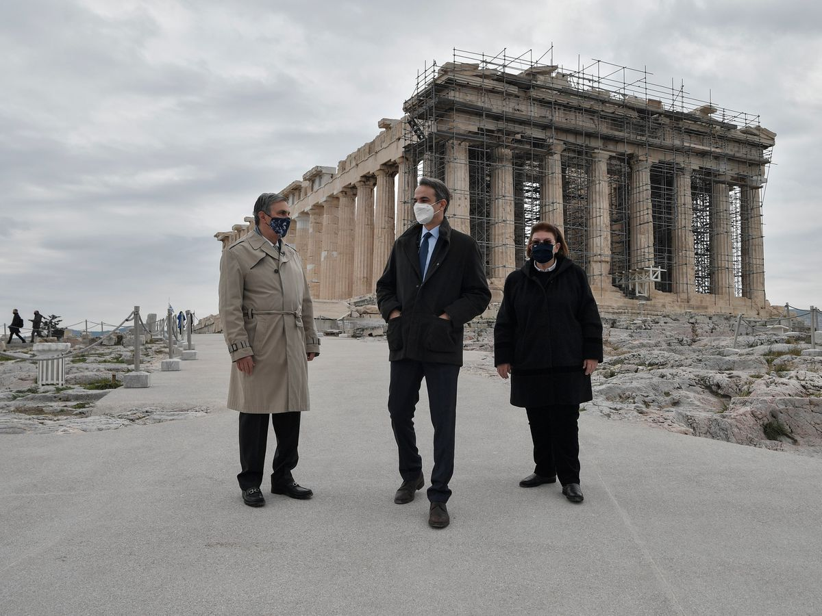New lift and pathways to open Acropolis to disabled visitors