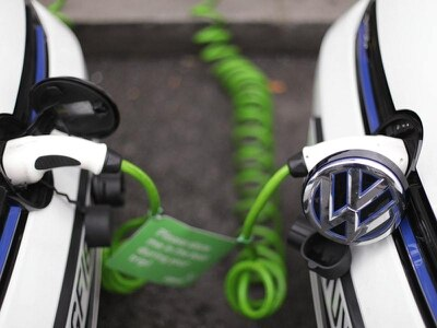 Rush for low-emission cars before grants are slashed
