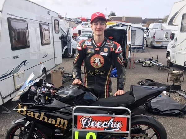 Superteen Harris Beech dominates the field