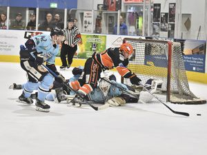 Telford Tigers out-gunned in penalty shootout